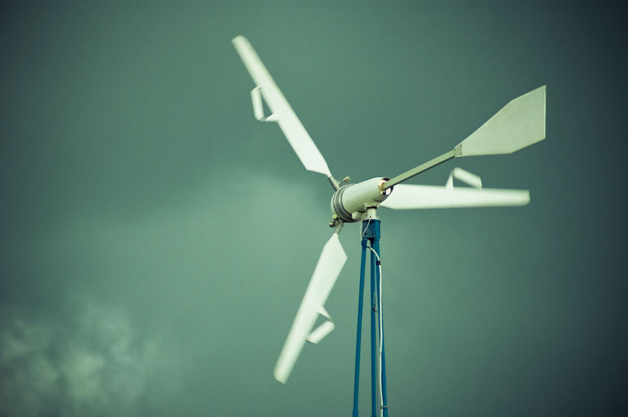 VECKTA and Small Wind Turbines For Microgrids