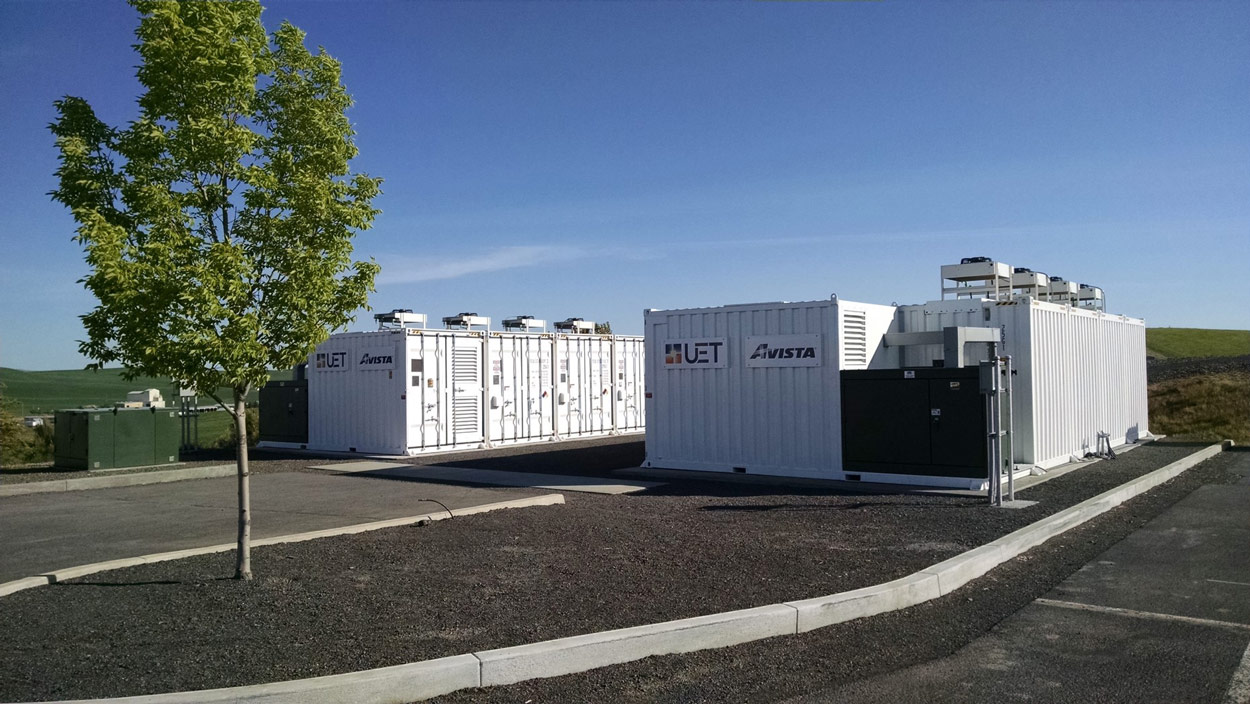 Energy Storage Options for Microgrids with VECKTA